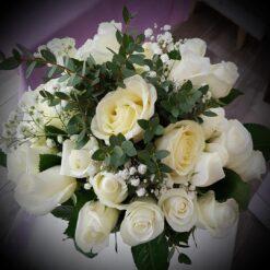 Helsinki bouquet di rose bianche