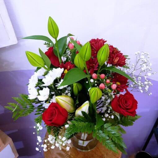 Imperia bouquet di Rose rosse, gigli e margherite