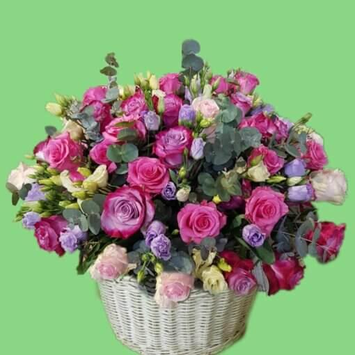 Torino cesto con 50 rose